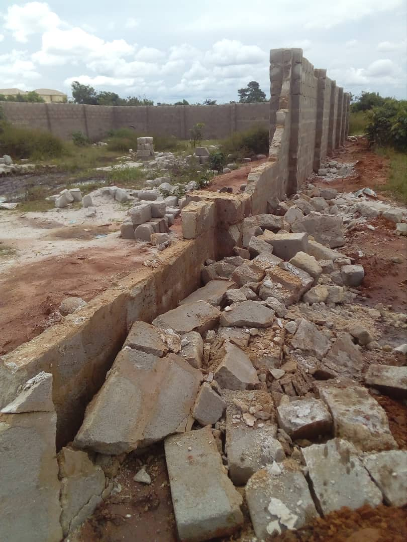 www.nigerianeyenewspaper.com-Emma-Nlemchukwu-Incites-Destruction-of-Property-after-owner-paid-500K-Youth-Levy